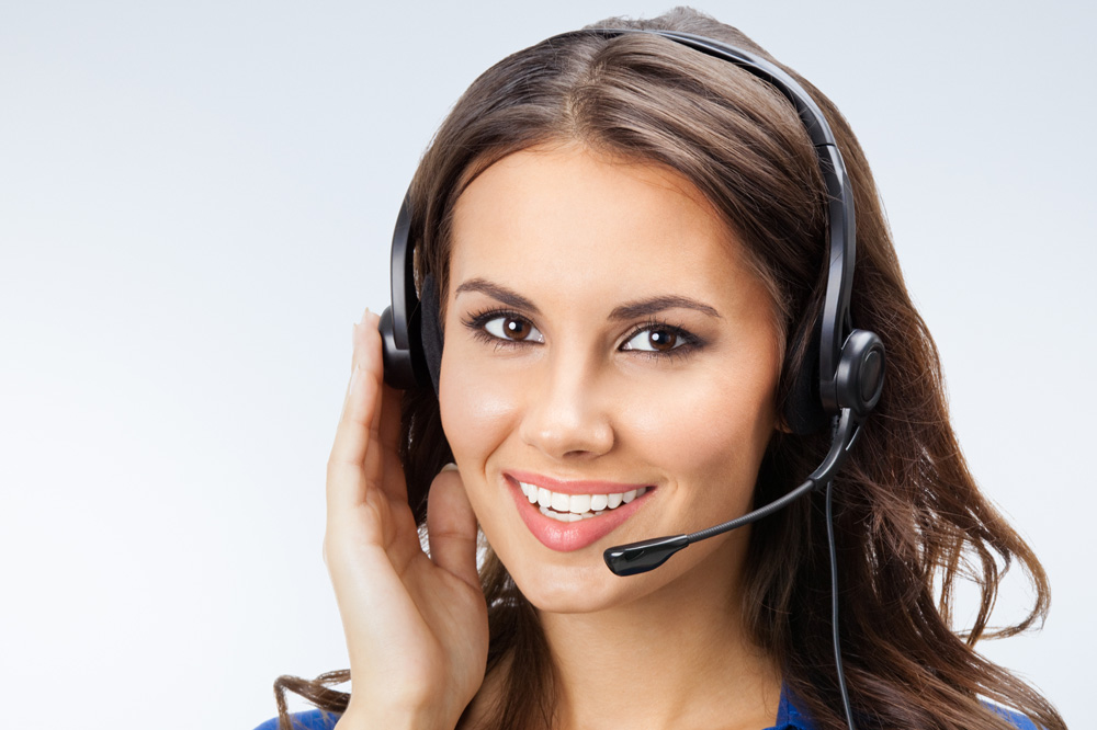 woman working at a Magellan clinical call center